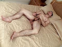 Fan Boy Feet From Underside - Cage
