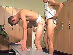 College gay stud sub bonks homosexual in checkroom