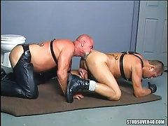 Old hairy twink licks muscle anus