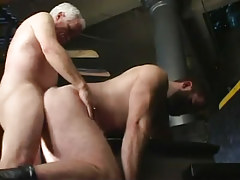 Old gay guy fucks wavy boyfriend in doggy style